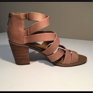 Lucky brand strappy heels!!